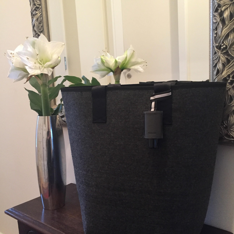 Handgel im Taschenanhänger - CarryME-Set PURE schwarz mit Ripsband -Shopper