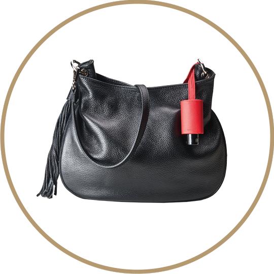 Handtasche mit Taschenanhänger