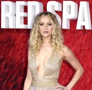 Jennifer Lawrence Red Sparrow Premiere Dior Kleid